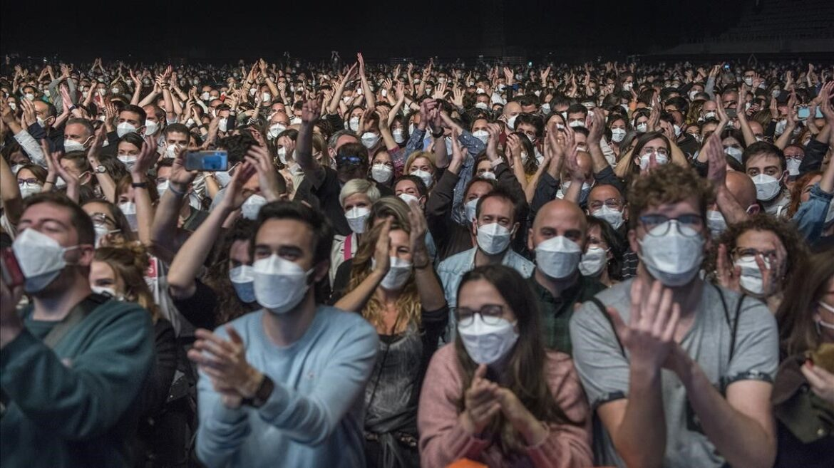 Previous Screening Of Love Of Lesbian Concert Detects Six Positives