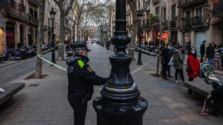 The Urban Guard Seals The Paseo del Born